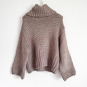 EUC LUSH oversized chunky knit sweater size small